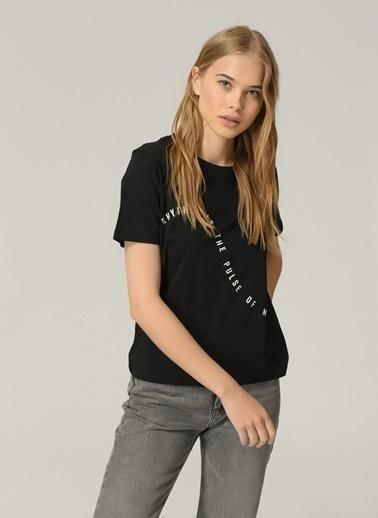 People By Fabrika Kadın Slogan Baskılı Tişört PFKSS21TS0029 Siyah